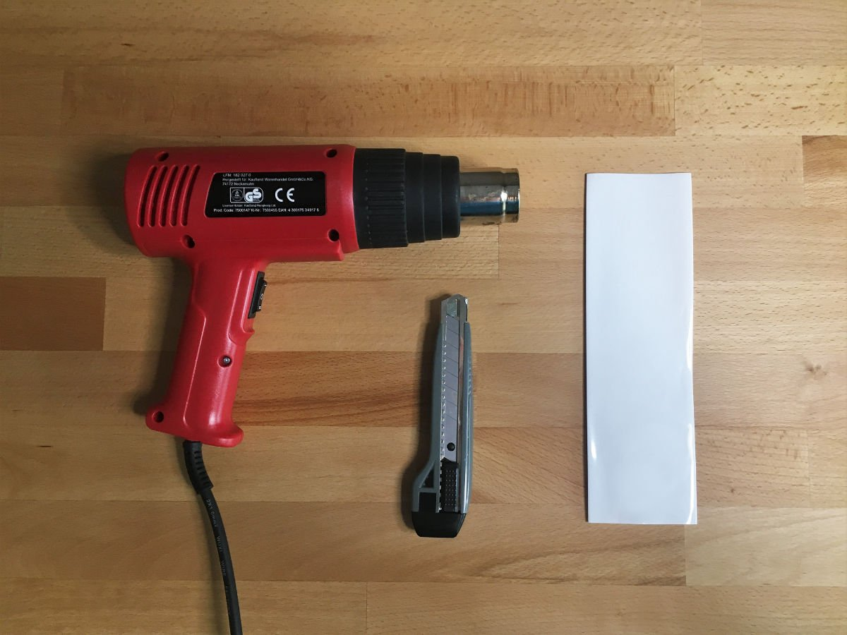 Foto vom Werkzeug für das Anbringen des Tennis Griffschlauchs