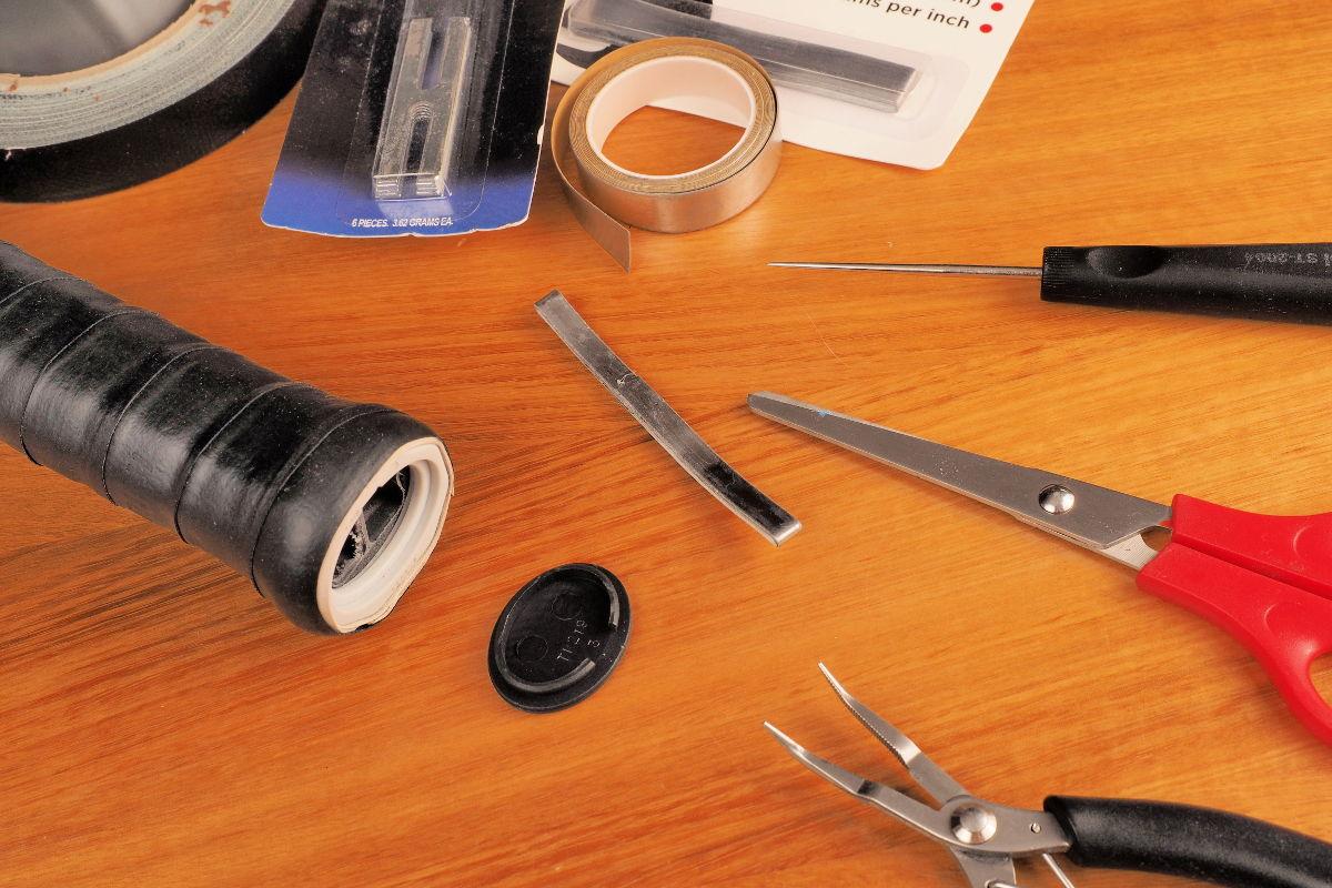 Foto der Werkzeuge für das Tennisschläger Tuning