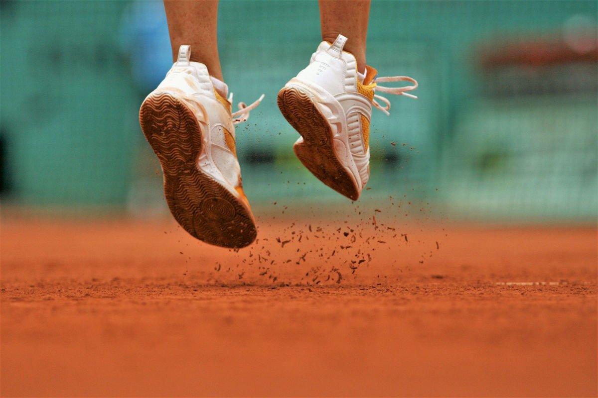 Foto von Tennisschuhen für den Sandplatz